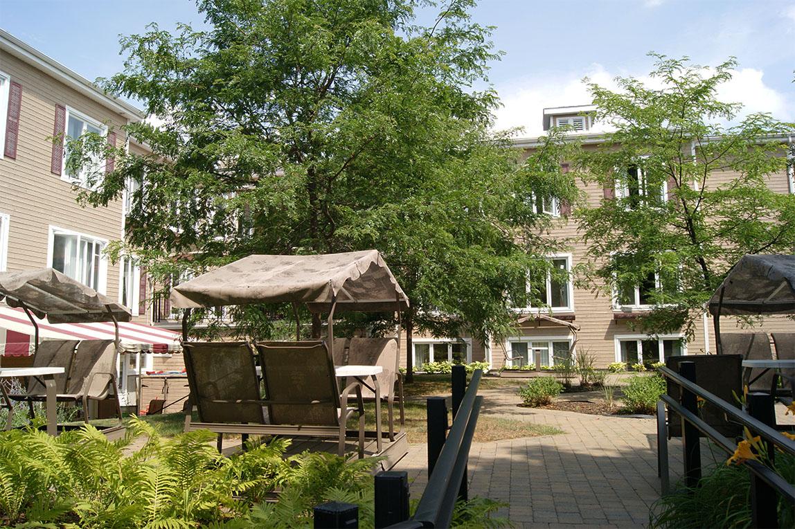 Jardins & veranda, Jardins & veranda, Jardins & veranda, Jardins & veranda, Jardins & veranda, CHSLD L.-B.- Desjardins Saint Sauveur 9