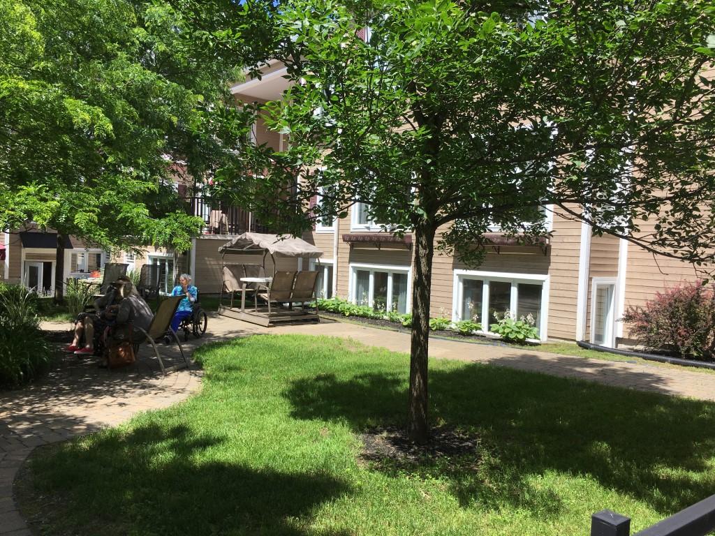 Jardins & veranda, CHSLD L.-B.- Desjardins Saint Sauveur 12 (1) (1) (1)